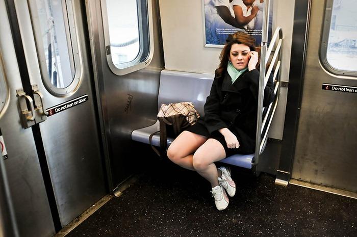 фото подглядывание в общественном транспорте